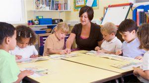 Enfants à l'école maternelle