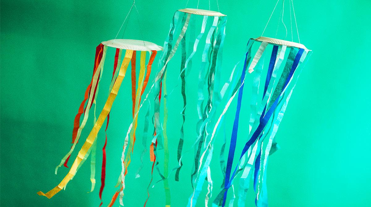 © Geoffroy de Boismenu. Des mobiles méduses.